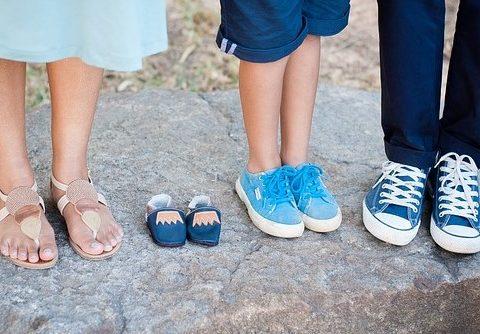 Bein til mor, far og bror, samt et par tomme sko