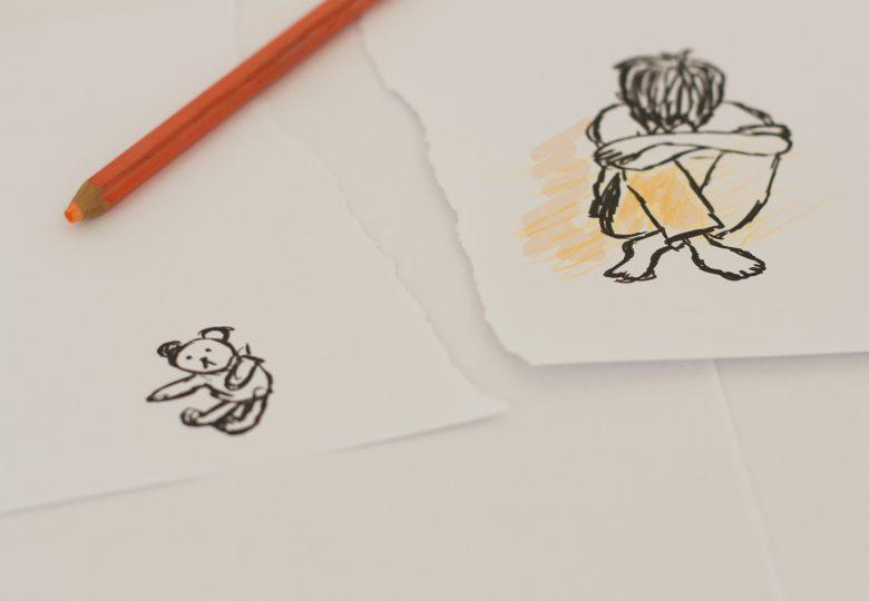Tegning av en gutt og en bamse